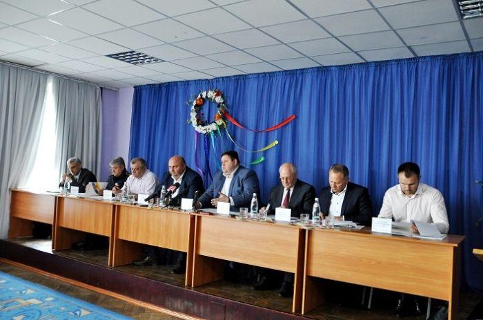 У місті Полонному Хмельницької області відбулося спільне засідання Хмельницької та Житомирської регіональних комісій ТЕБ та НС / фото oda.zt.gov.ua
