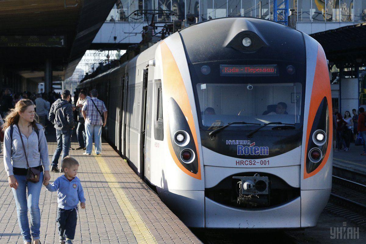 З 1 серпня починає курсувати поїзд
