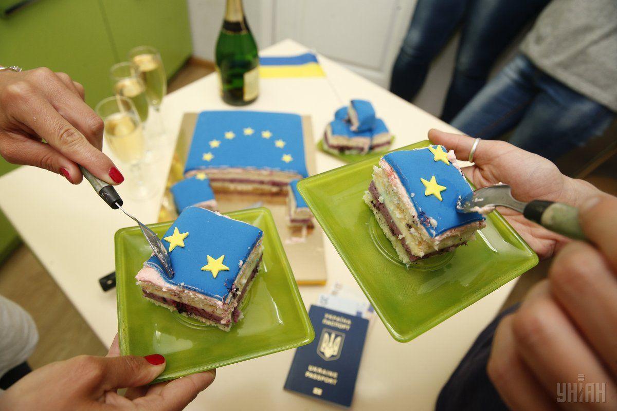 Нарешті українці можуть подорожувати до Європи без віз / фото УНІАН