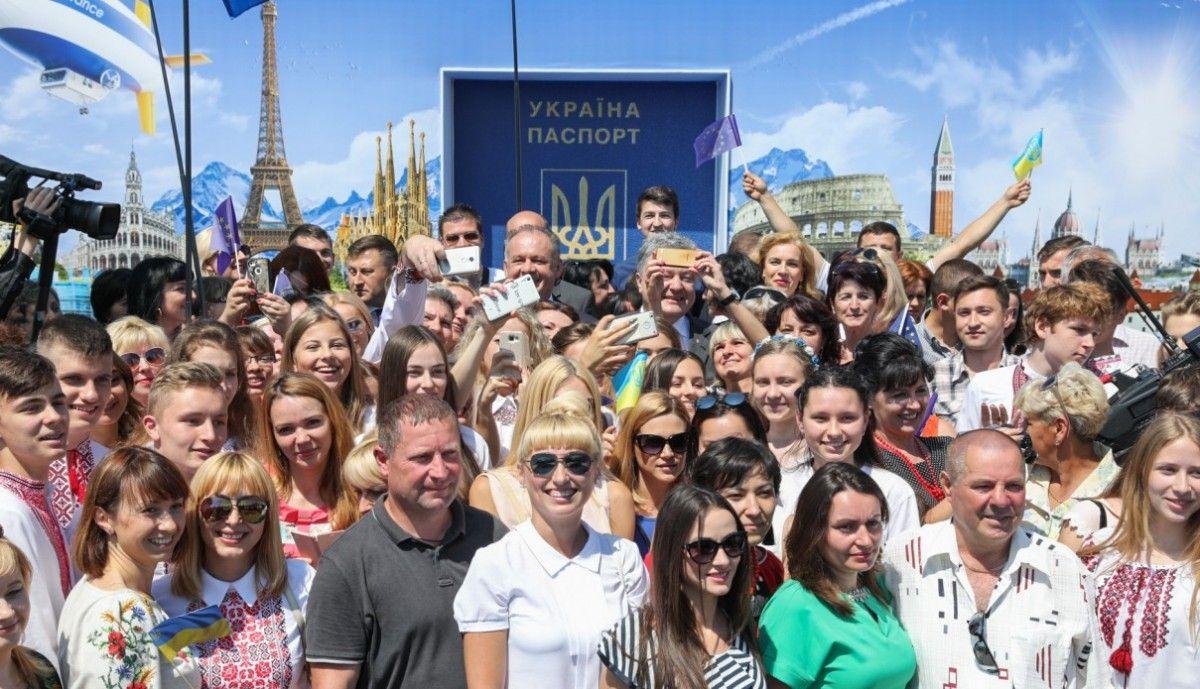 Порошенко: з України в сусідні європейські країни запустили нові поїзди / president.gov.ua