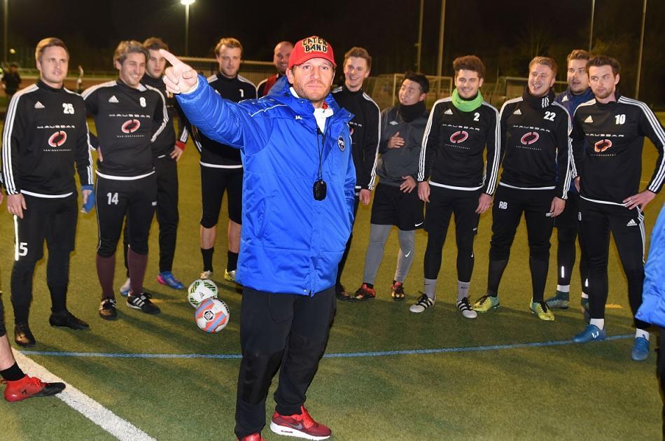 Воронин покинул пост тренера команды седьмого германского дивизиона