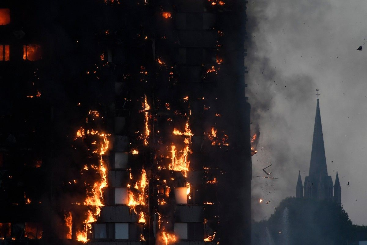 Впожаре встолице Англии погибли несколько человек