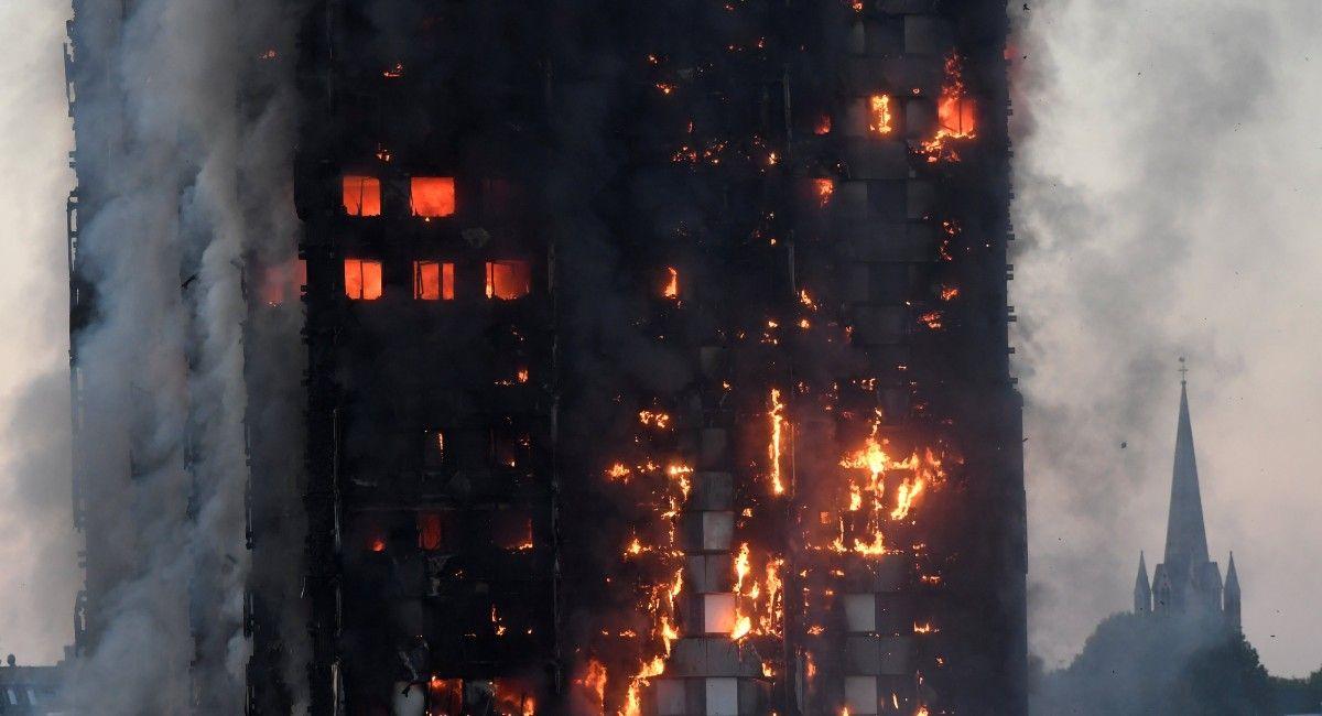 ua.korrespondent.net Кількість жертв пожежі в лондонській висотці зросла до  12 осіб 2768d1785d9de
