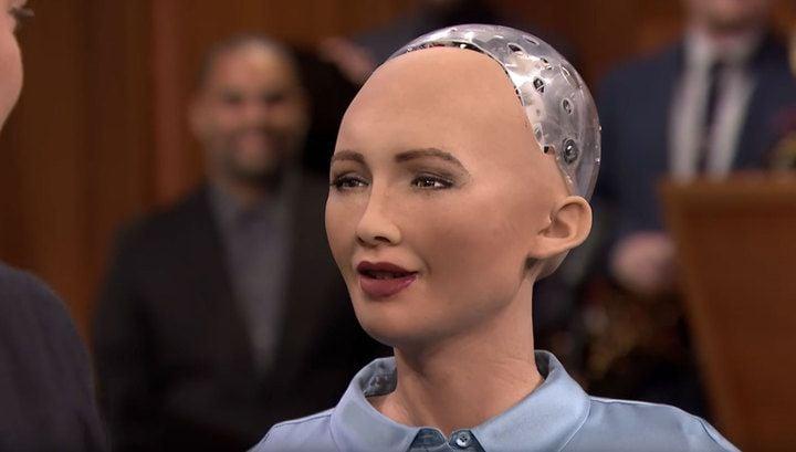 Робот по имени София в одном из интервью сказала, что хотела бы уничтожить человечество / скриншот УНИАН