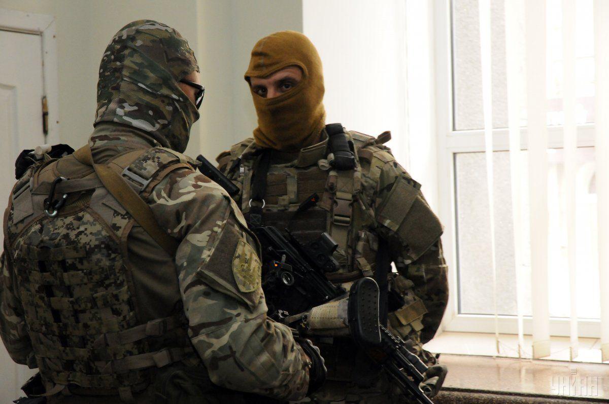 Обыски проводятся в центральном офисе банка в Днепре / фото УНИАН