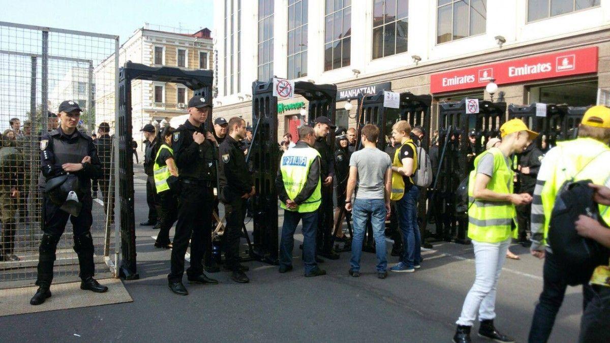 Безопасность участников Марша равенства гарантировали около 5 тысяч правоохранителей / Facebook Оксана Блищик