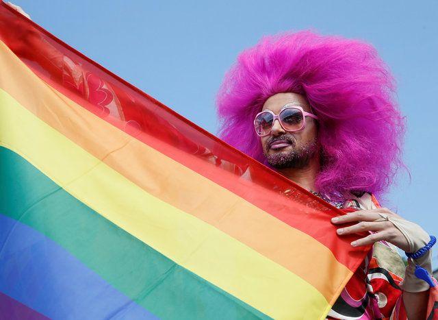 Видео фильмы гомосексуального содержани