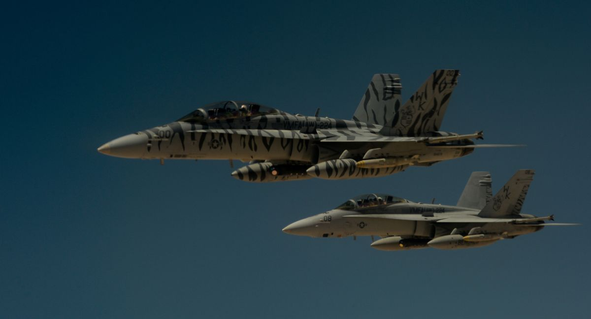 F-18 Super Hornets / REUTERS