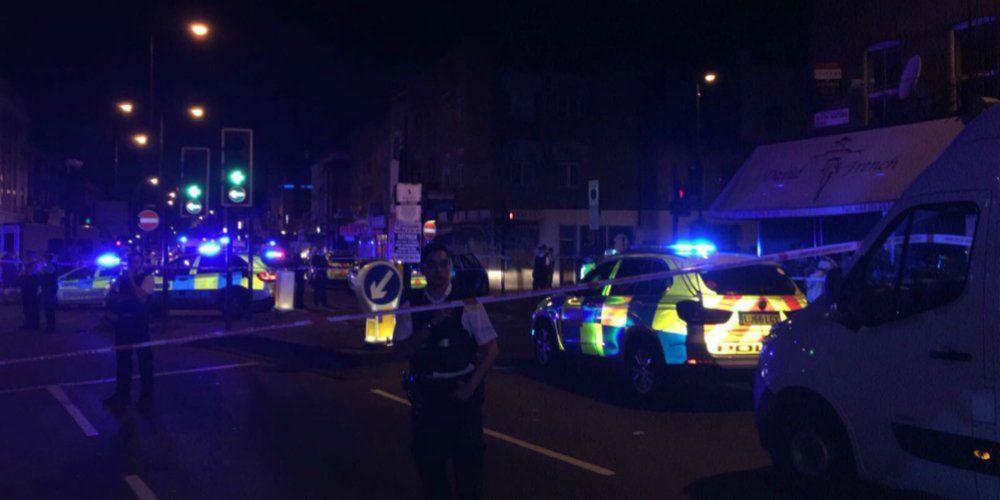 Фургон наехал натолпу мусульман— Инцидент встолице Англии