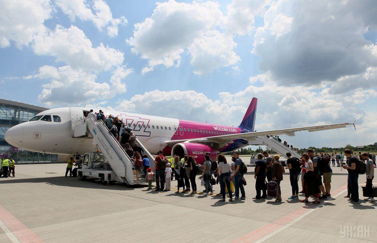 """Wizz Air продовжує обмежувати """"безкоштовні"""" можливості своїх пасажирів / Фото УНІАН"""