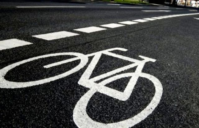 На українських дорогах стануть обов'язковими велодоріжки / фото Mukachevo.net