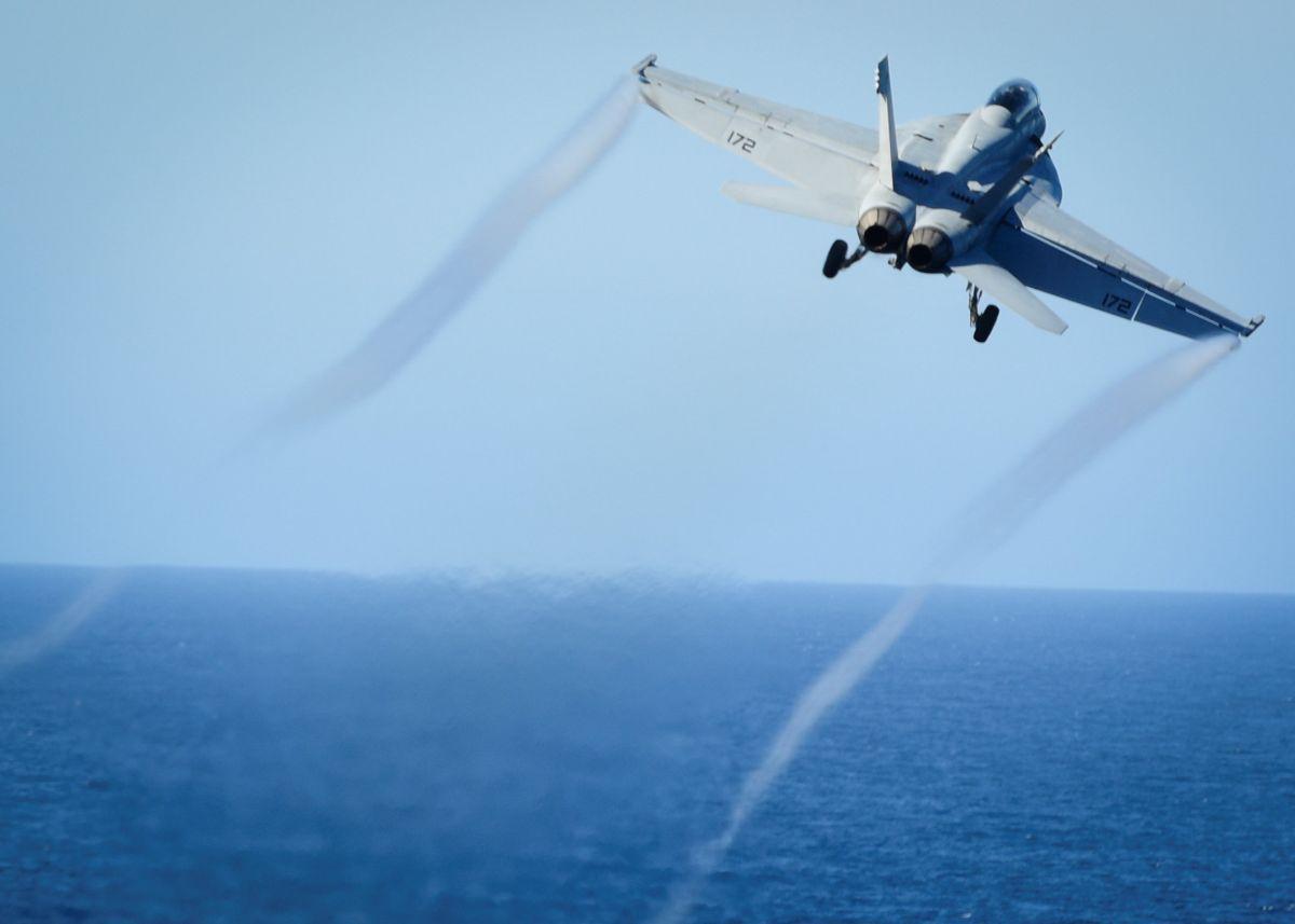 Винищувач F/A-18 / REUTERS
