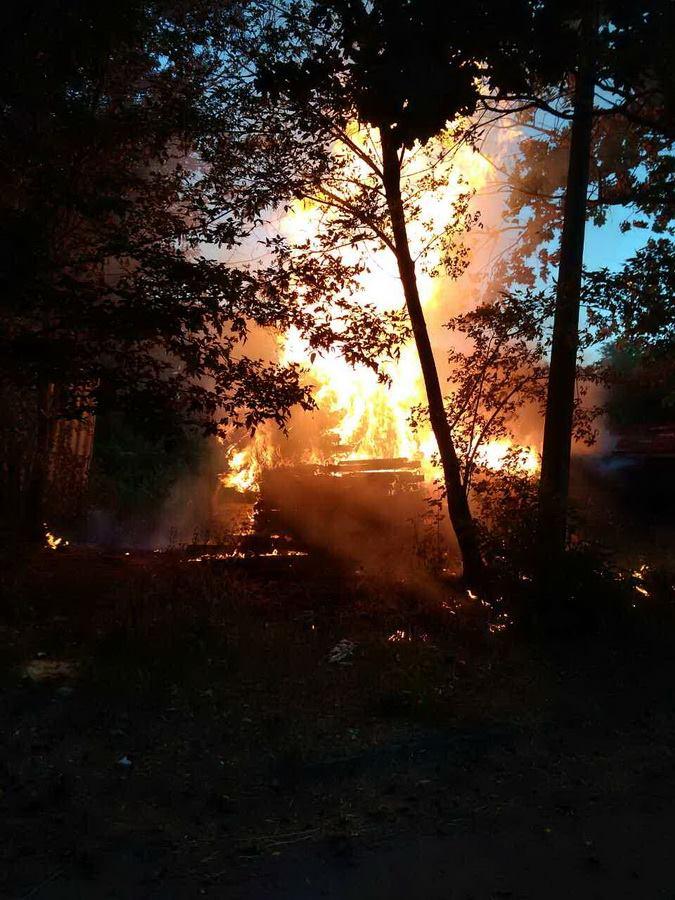 У Києві 20 червня близько 4 години ранку сталася пожежа на проспекті  Перемоги a4ba61b632043