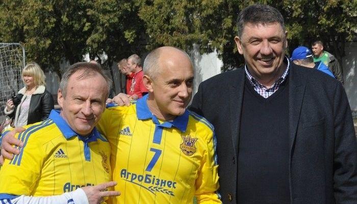 Олег Собуцкий (в центре): Фанаты
