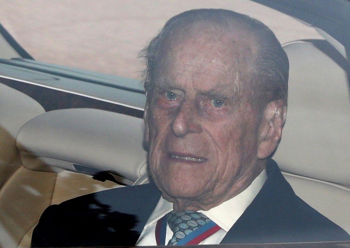Королевская чета Британии вволнении: супруг Елизаветы 2-ой госпитализирован
