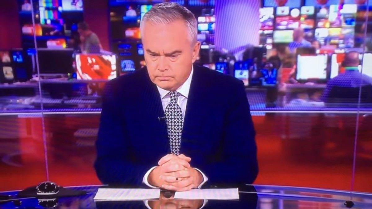 """Ведучий """"Бі-бі-сі"""" мовчав протягом випуску вечірніх новин"""