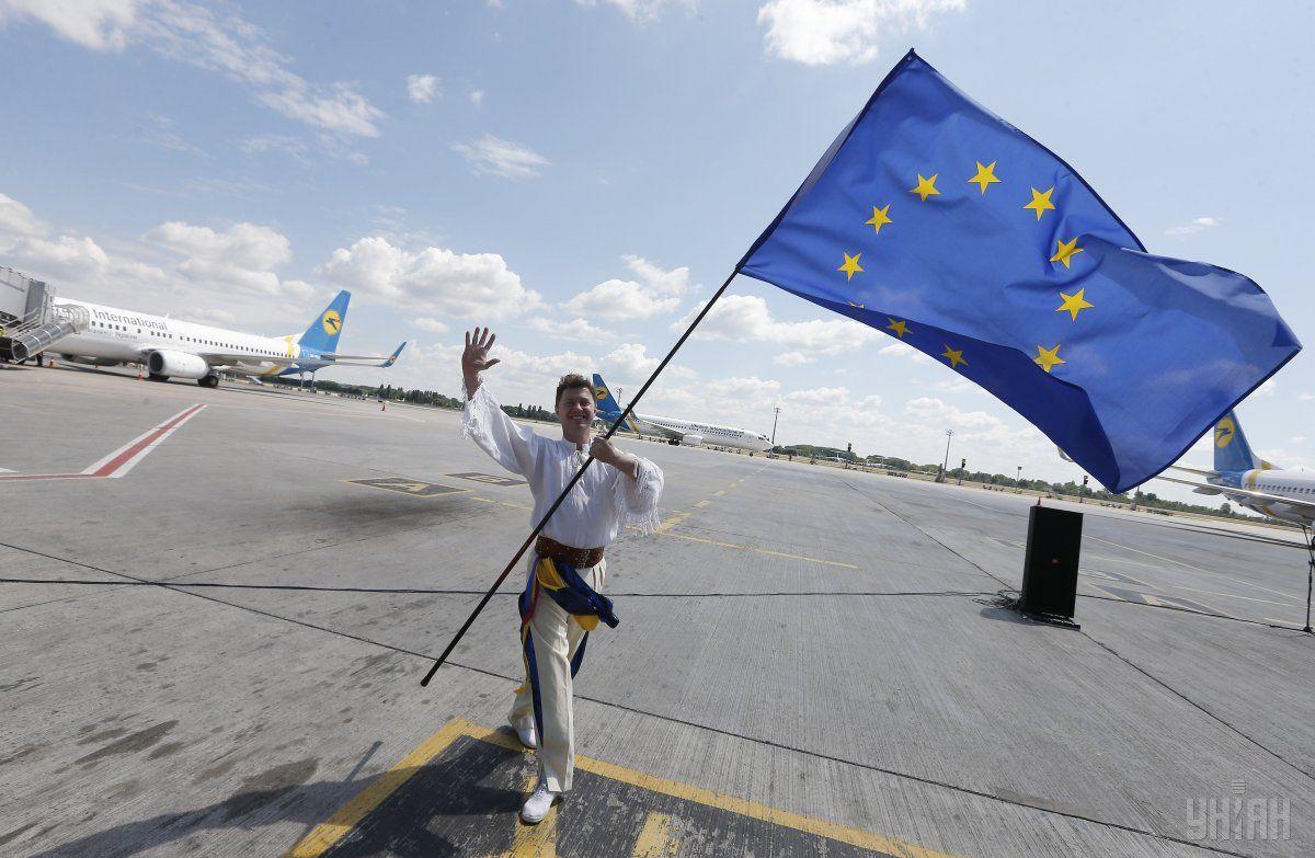 Безвизовым режимом между Украиной и ЕС воспользовалось почти полмиллиона украинцев / фото УНИАН