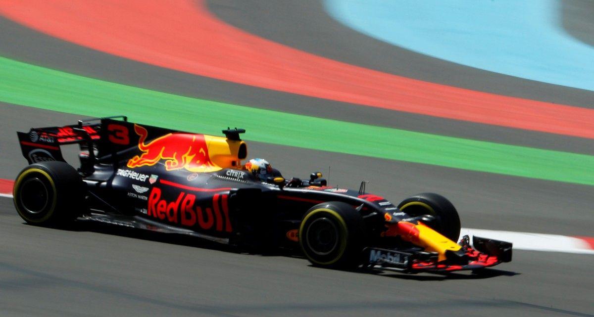 Риккардо выиграл гонку в Баку / Reuters