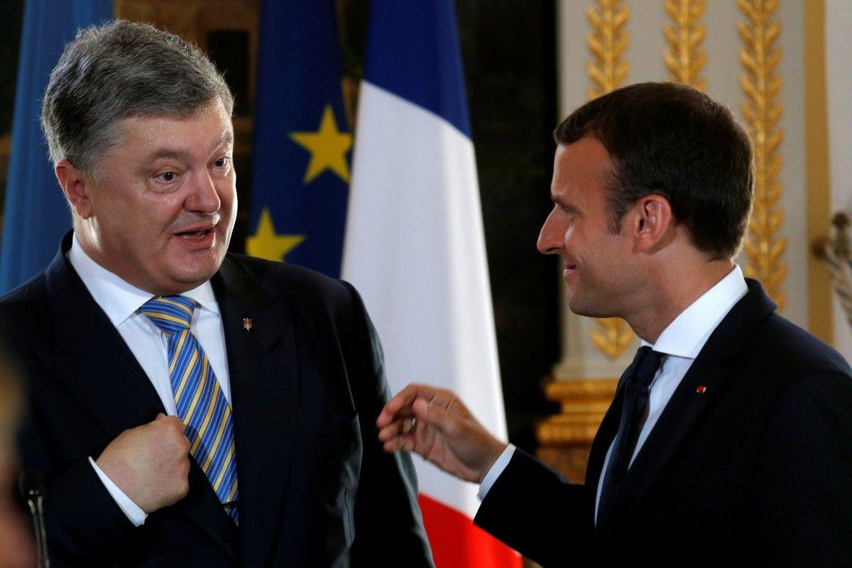 Петро Порошенко та Еммануель Макрон / REUTERS