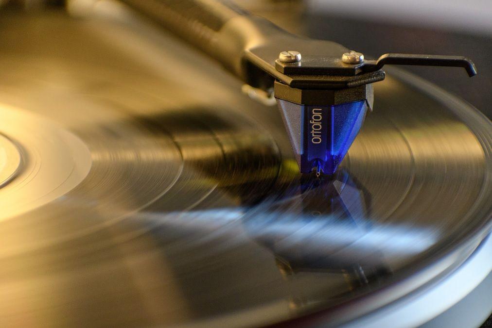Виниловые пластинки снова выпустит японская Сони Corp