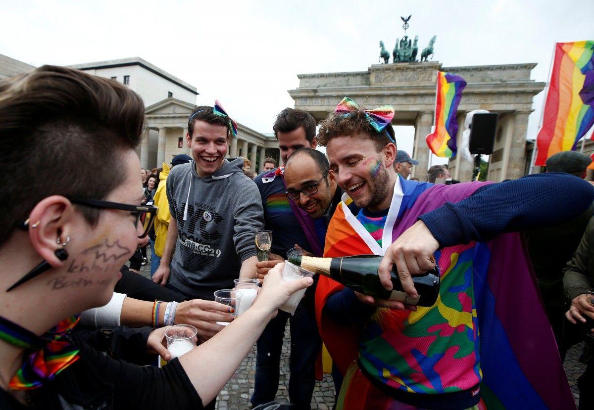 Гей-сайты германии