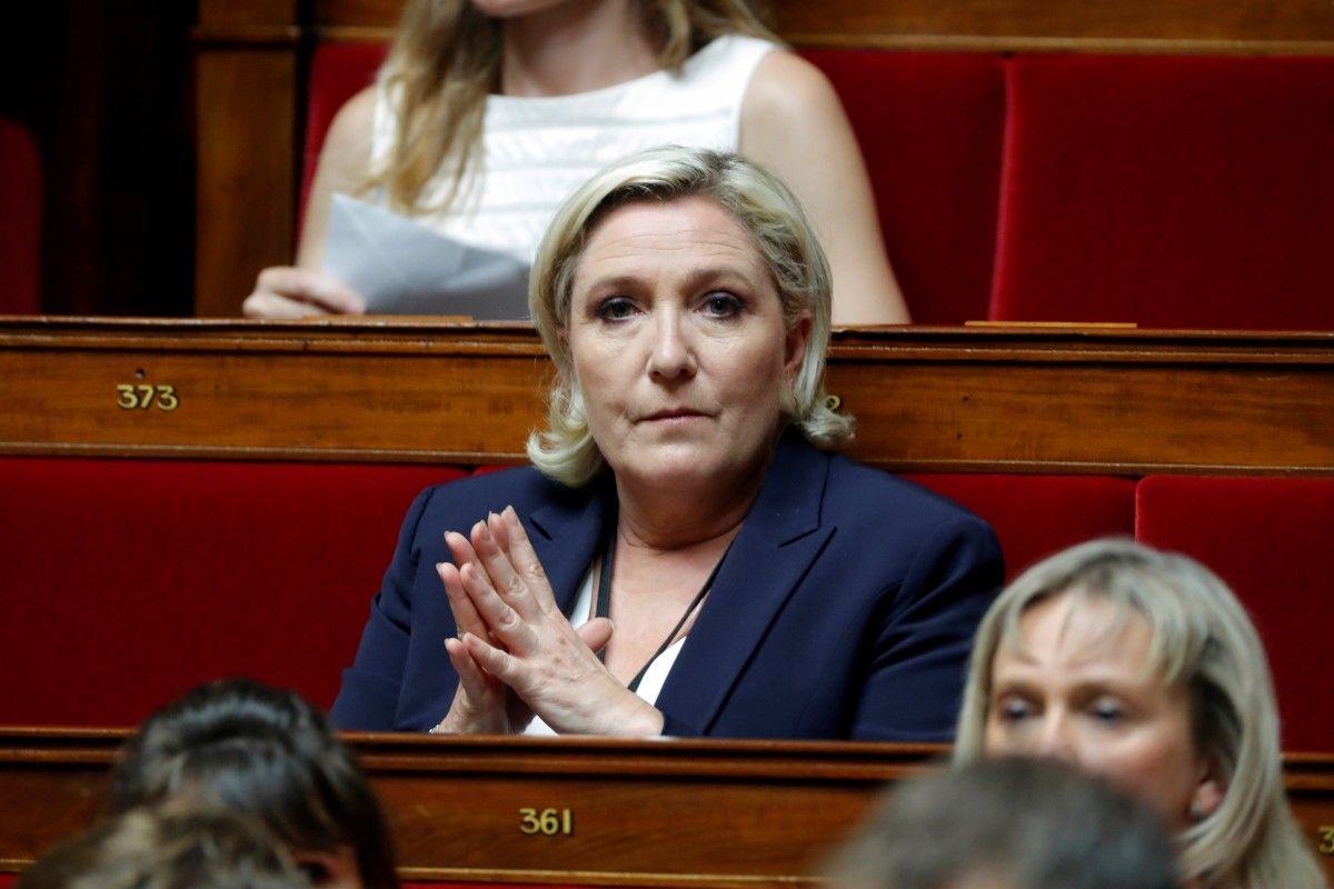 Французская генпрокуратура обвинила ЛеПен вфиктивном трудоустройстве еепомощников