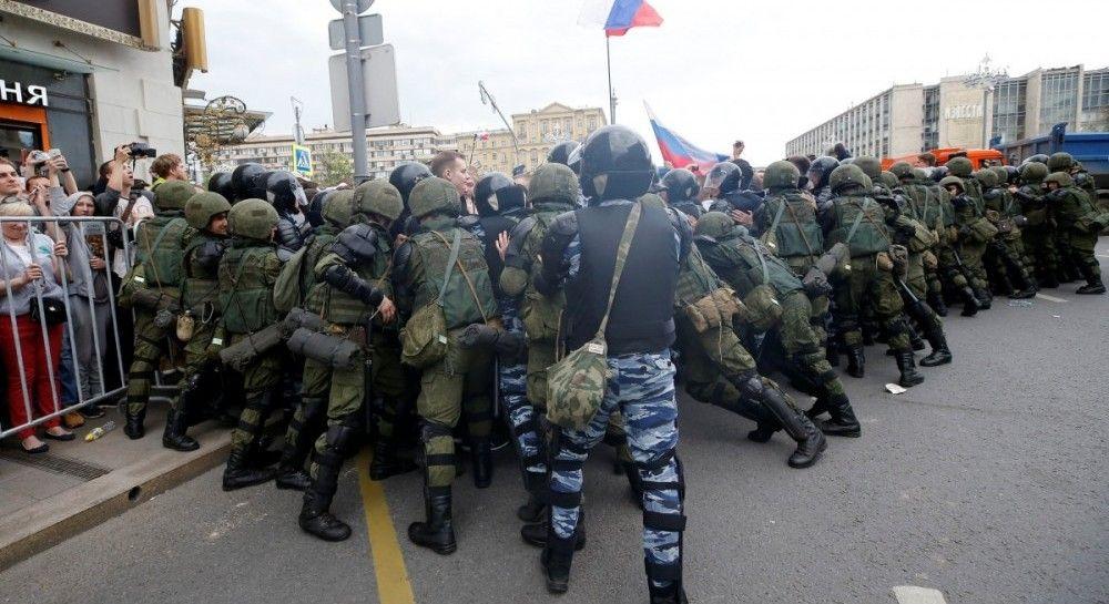 В России на антикоррупционных митингах задержали более 1,5 тысячи человек (видео)