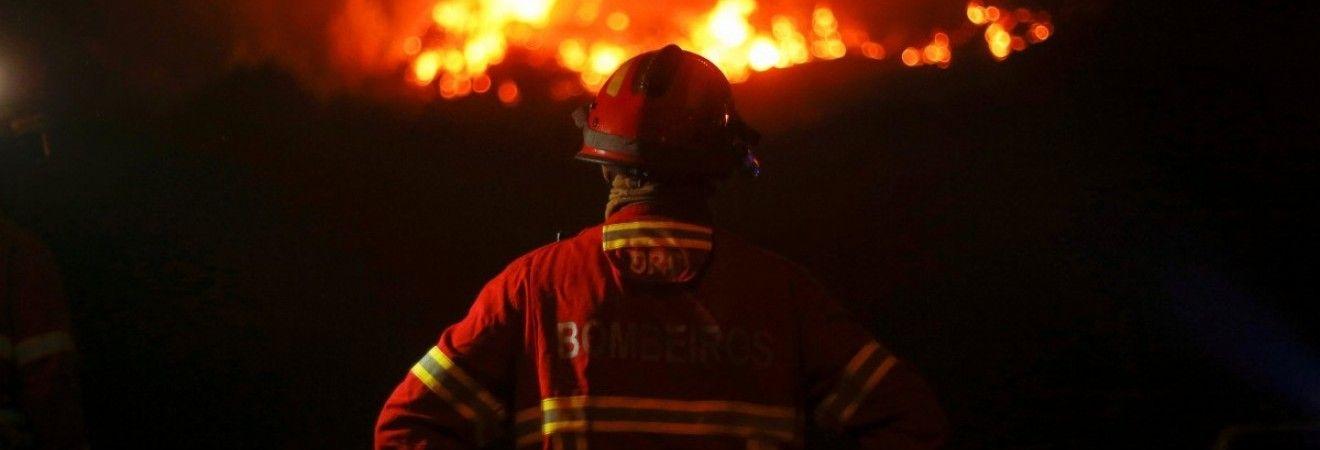 Жара и сильный ветер могут вызвать новые пожары в Португалии (видео)