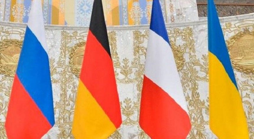 """Меркель заявила о планах провести саммит """"нормандской четверки"""" в ближайшее время в Париже"""