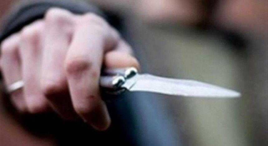 В центре Одессы трое вооруженных россиян с ножом накинулись на прохожего