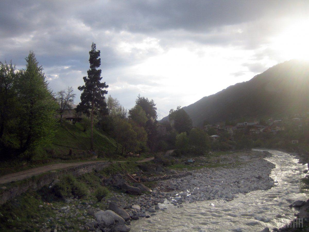 Рівень води в річках Закарпаття піднявся / фото УНІАН