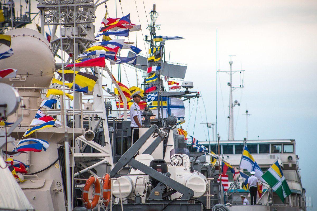 В Одессе отметили 25-ю годовщину Военно-морских сил Украины / фото УНИАН