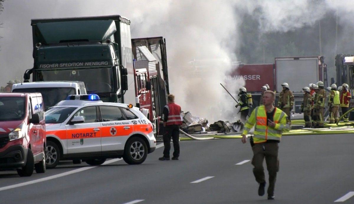 ВБаварии сгорел туристический автобус, пострадал 31 человек