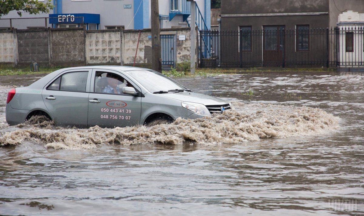 Через грози постраждали шість областей України / фото УНІАН