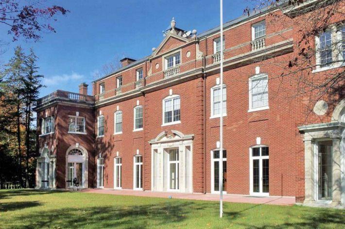 Площадь Norwich House на Лонг-Айленд составляет 14 акров / фото en.glavzs.ru