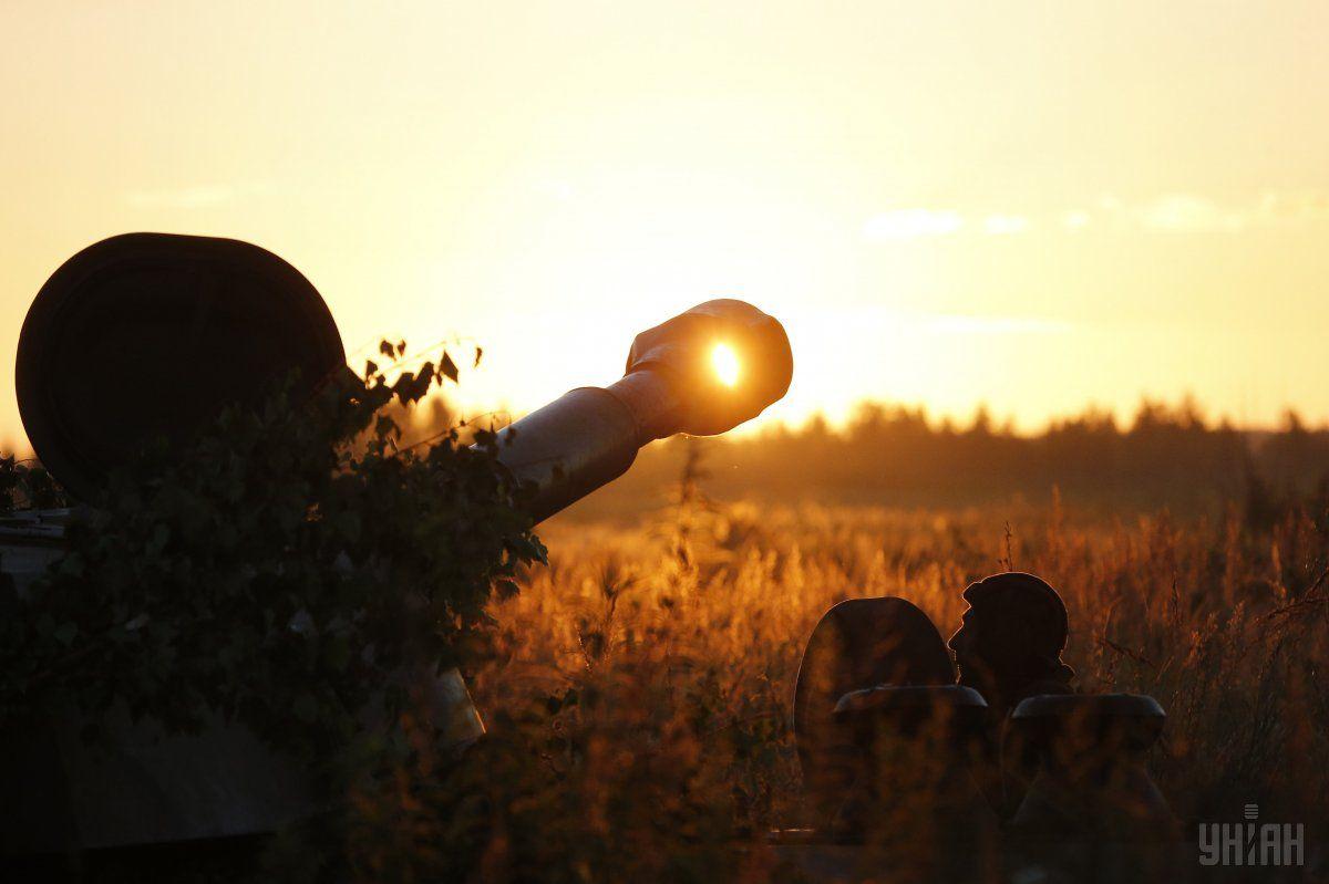Утро украинских военных на Донбассе началосьс обстрелов боевиков / УНИАН