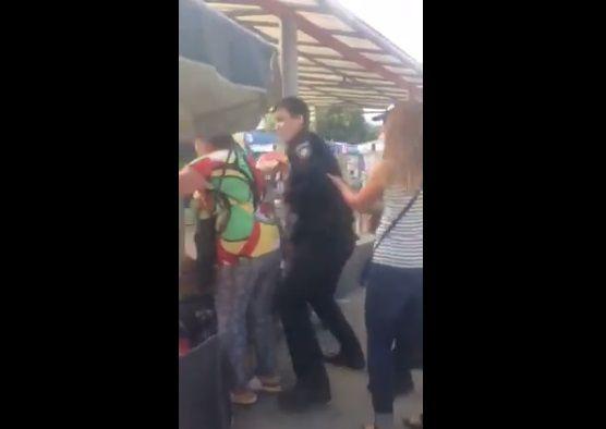 Возле метро произошел конфликт патрульных с торговцами / Скриншот
