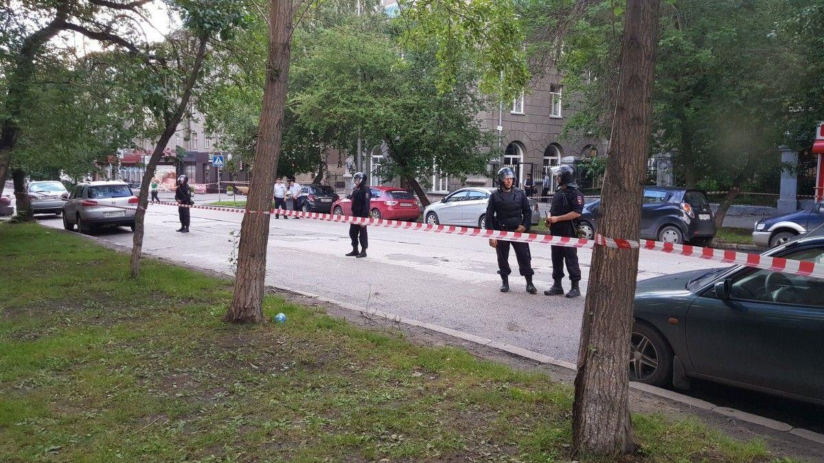 Милиция заблокировала штаб Навального вНовосибирске