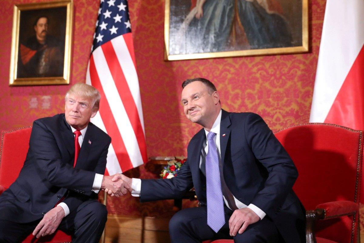 """Польша предлагает США разместить на своей территории постоянную базу """"Форт Трамп"""""""