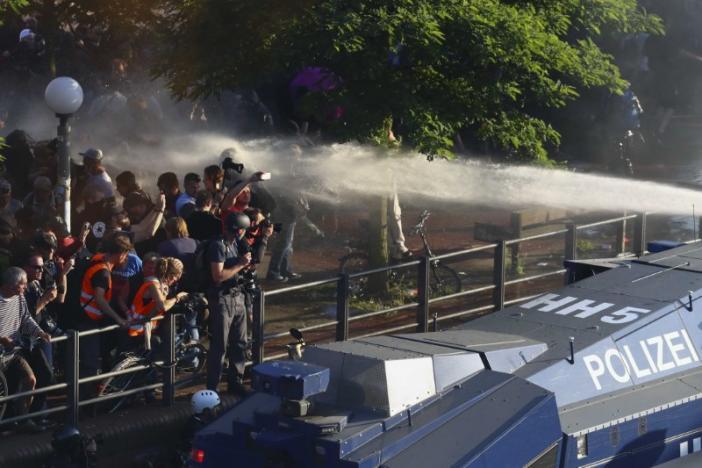 Столкновения в Гамбурге 6 июля / REUTERS
