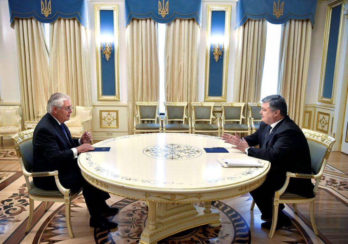 Петр Порошенко и Рекс Тиллерсон / REUTERS