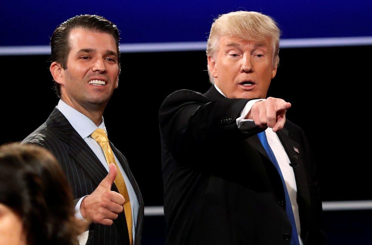 Дональд Трамп с сыном / REUTERS