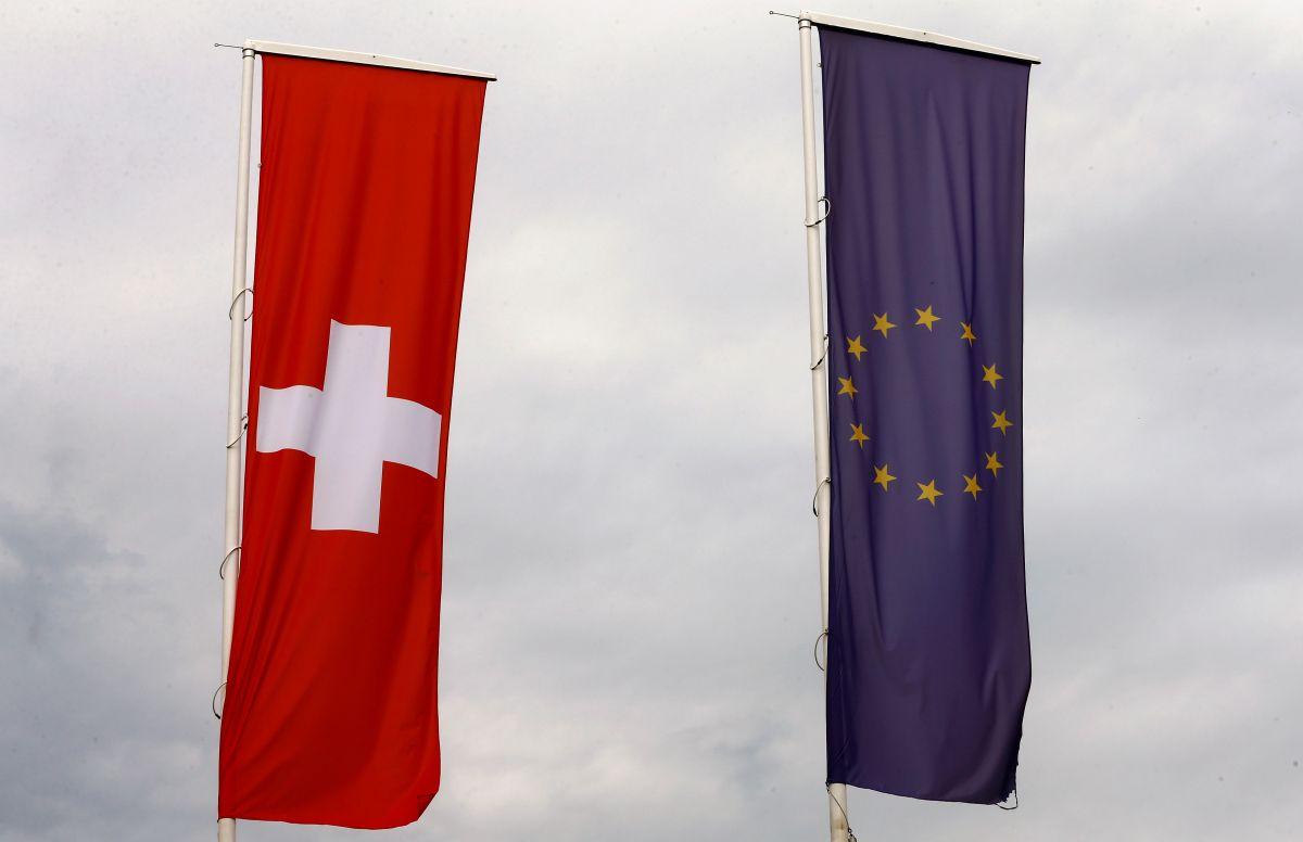 В ЕС признали COVID-сертификаты Швейцарии / REUTERS
