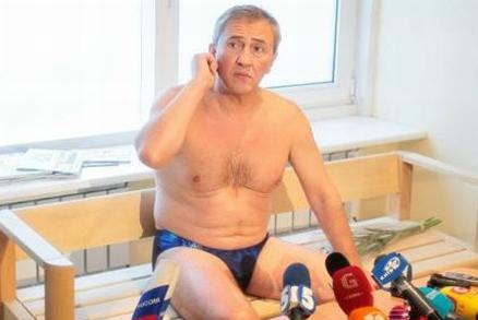 Українські правоохоронці мають багато питань до Черновецького / Фото УНІАН