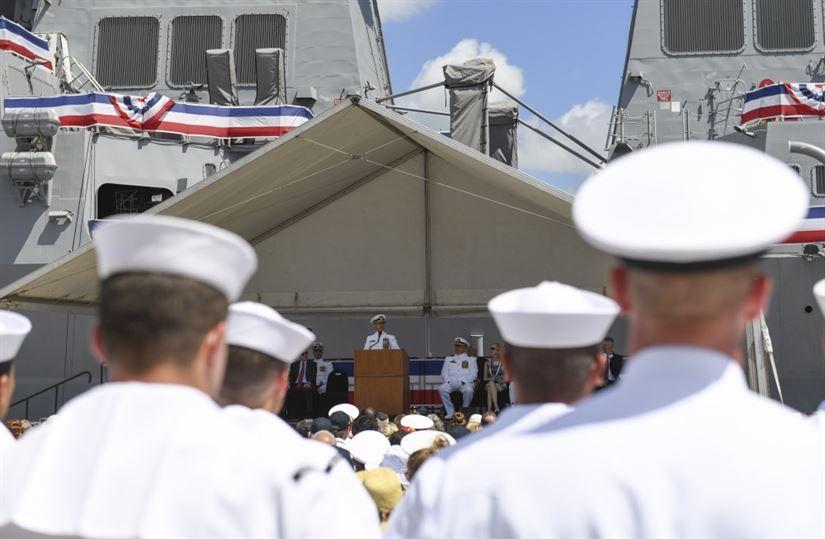 У США ввели в експлуатацію новітній ракетний есмінець
