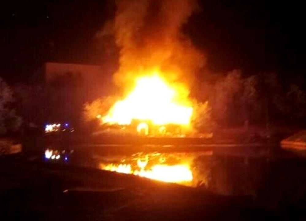 ВДюковском парке Одессы сгорело кафе-«крепость»