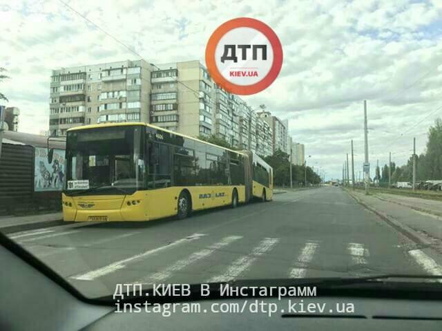 У Києві розвалився автобус / dtp.kiev.ua
