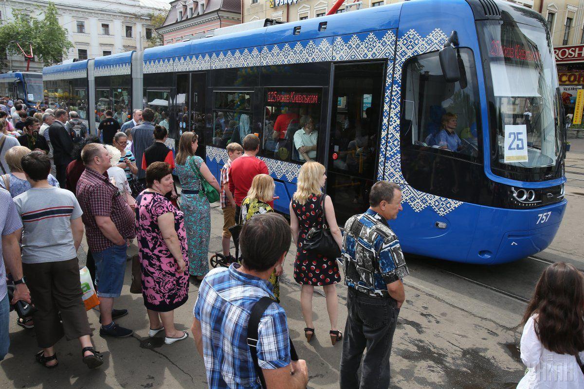 Електротранспорт у Львові курсує не за графіком, але дотримуються певні інтервали руху / фото УНІАН