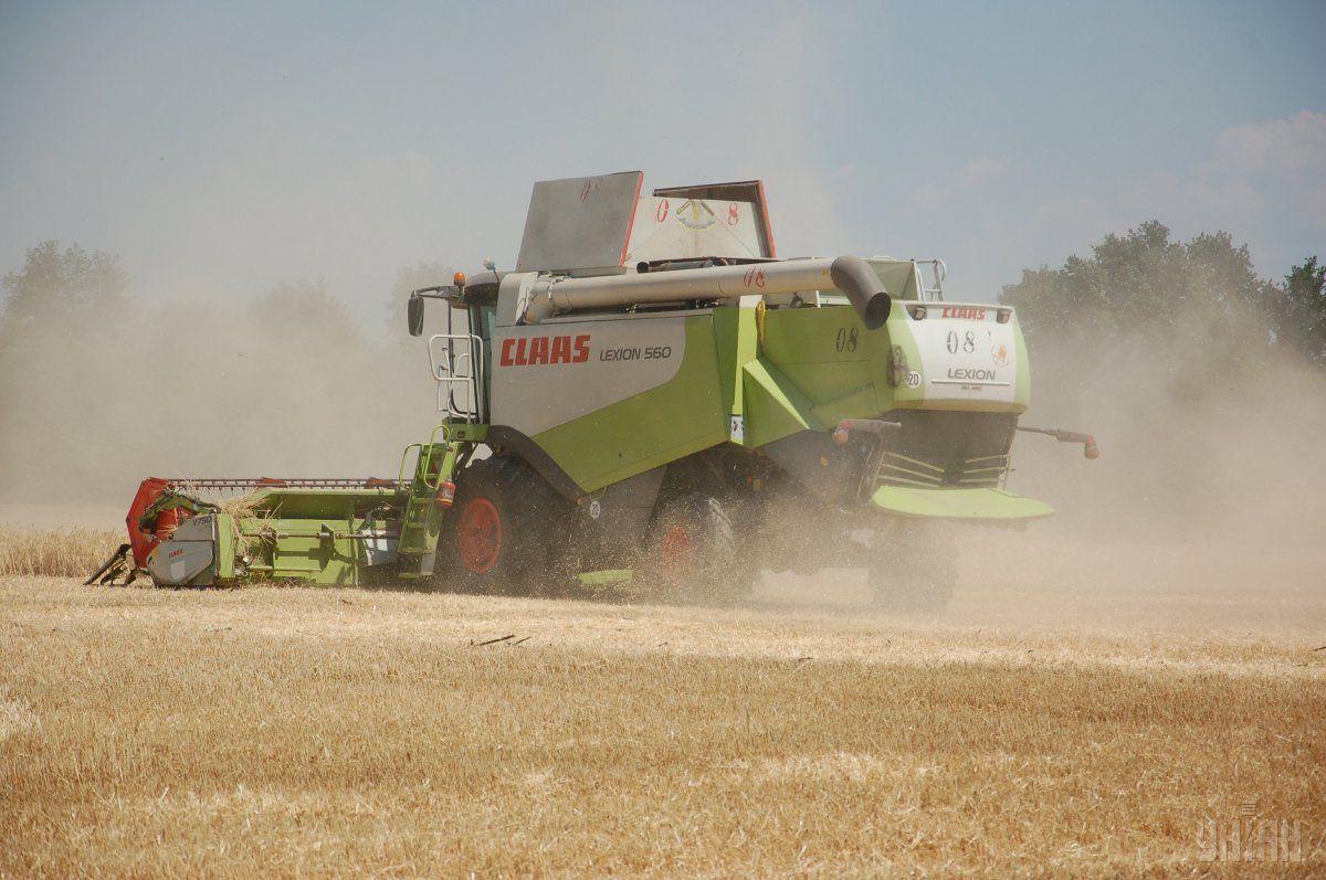 Аграрии завершили уборку ранних зерновых и зернобобовых культур / фото УНИАН