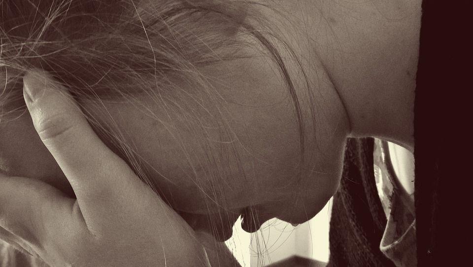 В Умани мужчинаизнасиловал15-летнюю девочку / фото pixabay.com